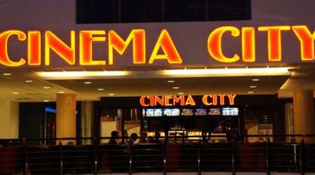 Cineworld zawiesza działalność kin w USA i UK
